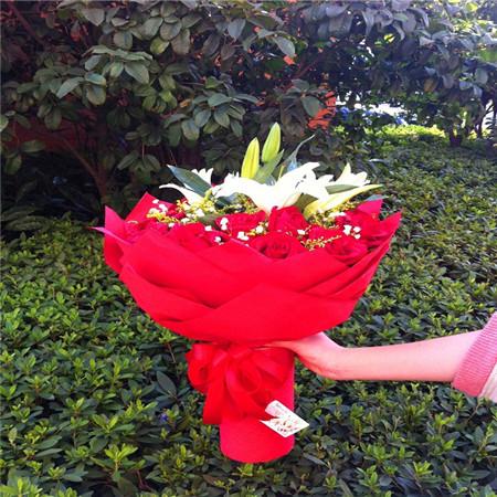 上海鲜花预定:倾心与你