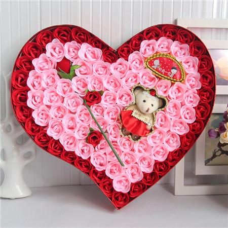 台州肥皂花:92朵红色一枝花小熊