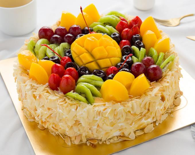怡漫�{莓�r奶蛋糕